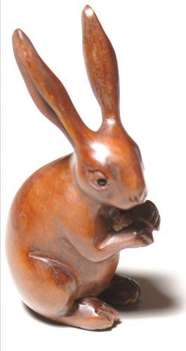 Standing hare (7cmx3.5cm)